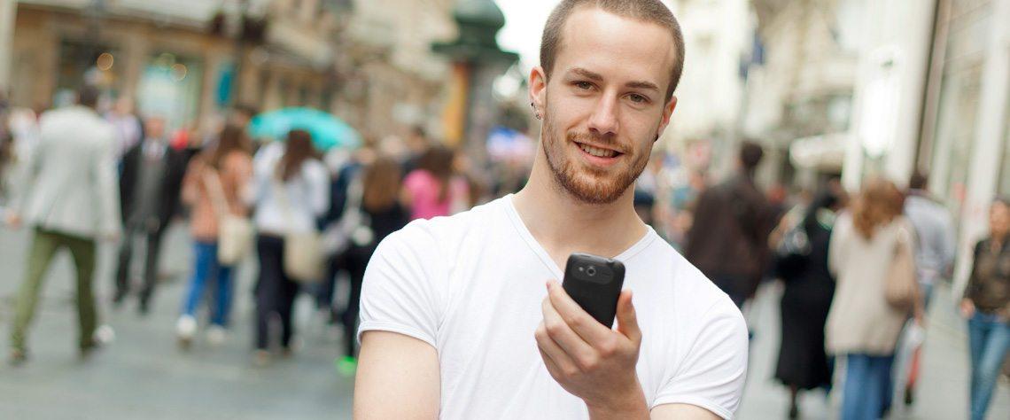 Med beskedservice fra Frøs Sparekasse kan du få en mail eller SMS når der er ændringer på din konto | Frøs Sparekasse