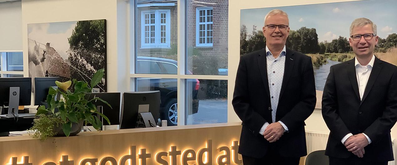 Bestyrelsesformand Jørgen Kring sammen med ny administrerende direktør i Frøs Sparekasse, Max Hovedskov